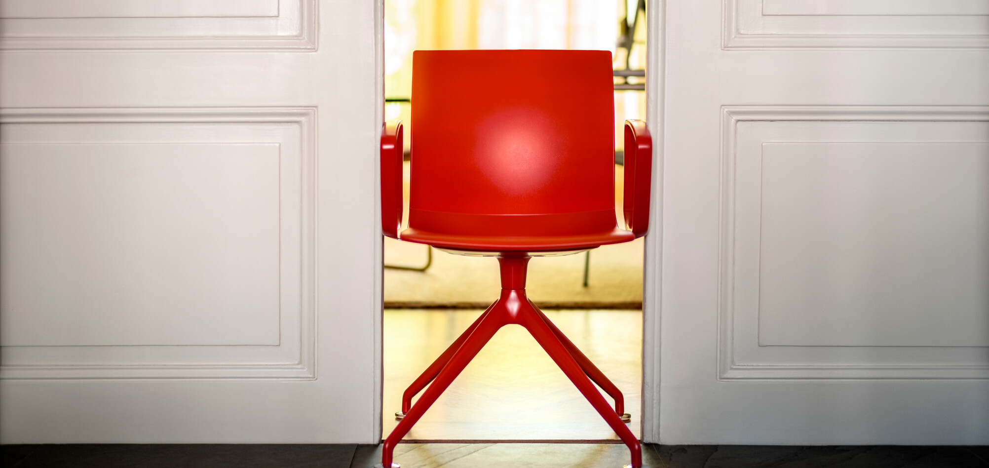Royal Ahrend Well trestle base chair in red at Kvadrat store in Amsterdam L1000673