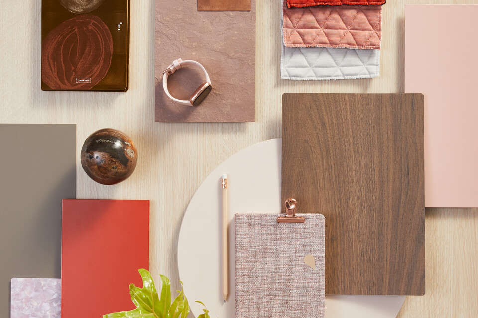 Ahrend Moodboard with red and brown samples top view