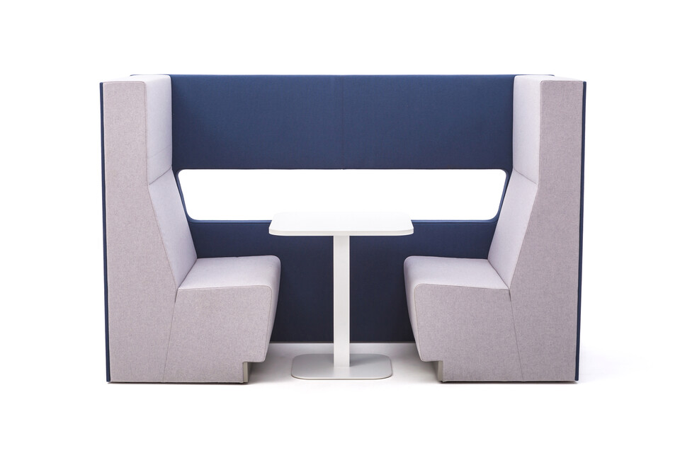 Gispen MultiLounge alcove setup with blue connecting wall and pink grey seating with white KOLM Column square table side view